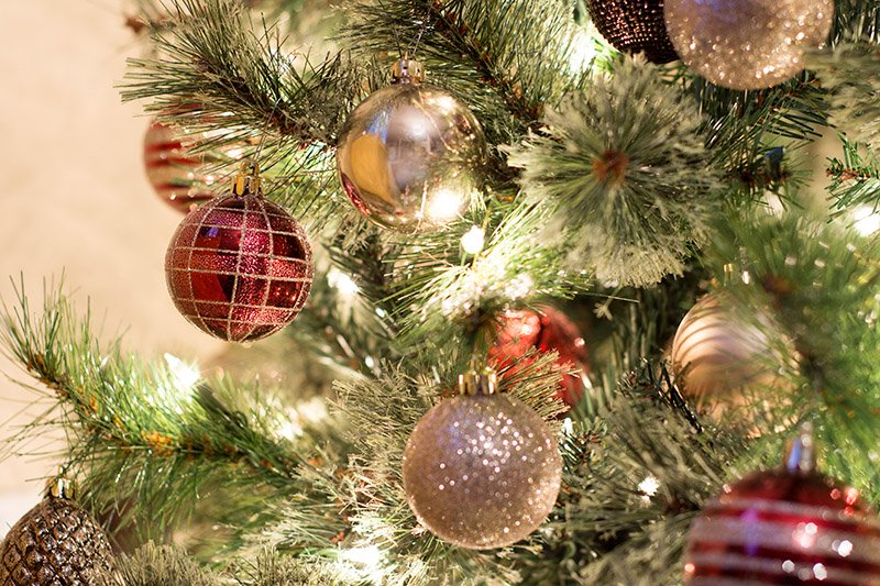 What Type of Christmas Tree Decorator Are You?